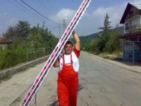 Антонио носи стълба към небето :-)