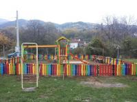 Подновената детска площадка на ул. Гагарин